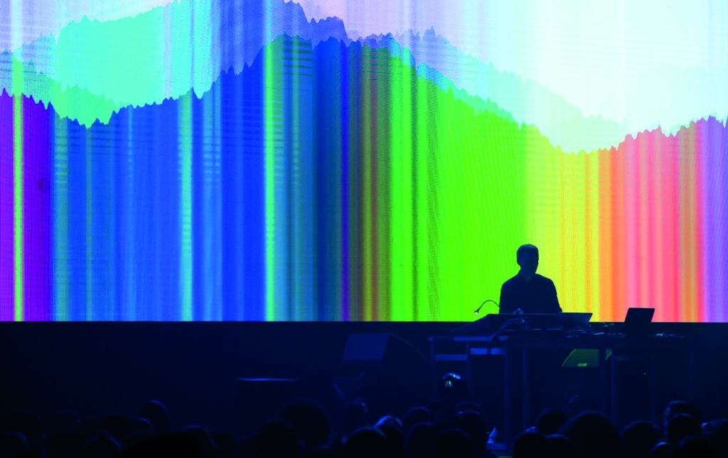 MUTEK, un diálogo entre el sonido y las artes visuales - MUTEK-1