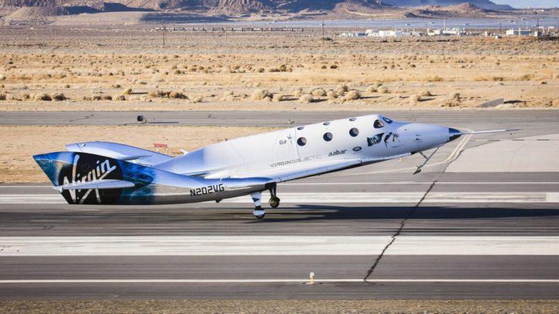 Virgin Galactic hace su primer vuelo espacial tripulado - pace-3