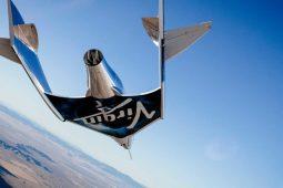 Virgin Galactic hace su primer vuelo espacial tripulado - Portada space 2