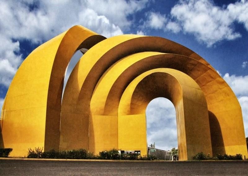 La Escuela de Artes de la Universidad Anáhuac México reconoce al escultor Sebastián - sebastian_esculturaamarillo