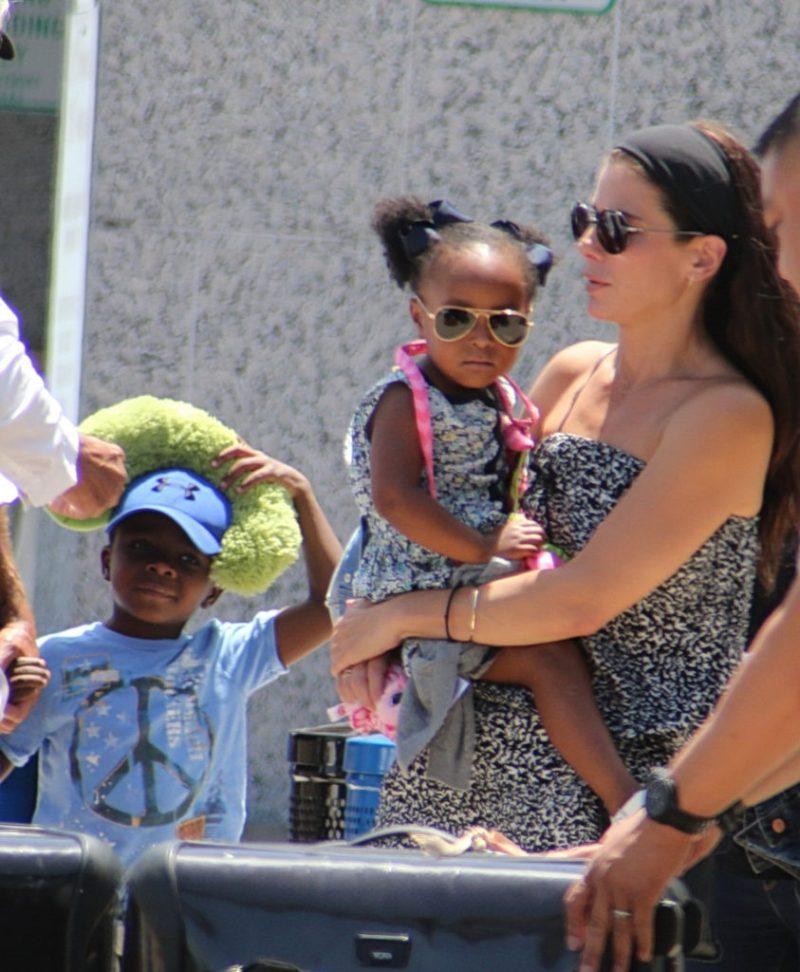 Datos que no sabías de Sandra Bullock - 11-hijos-sandra-bullock