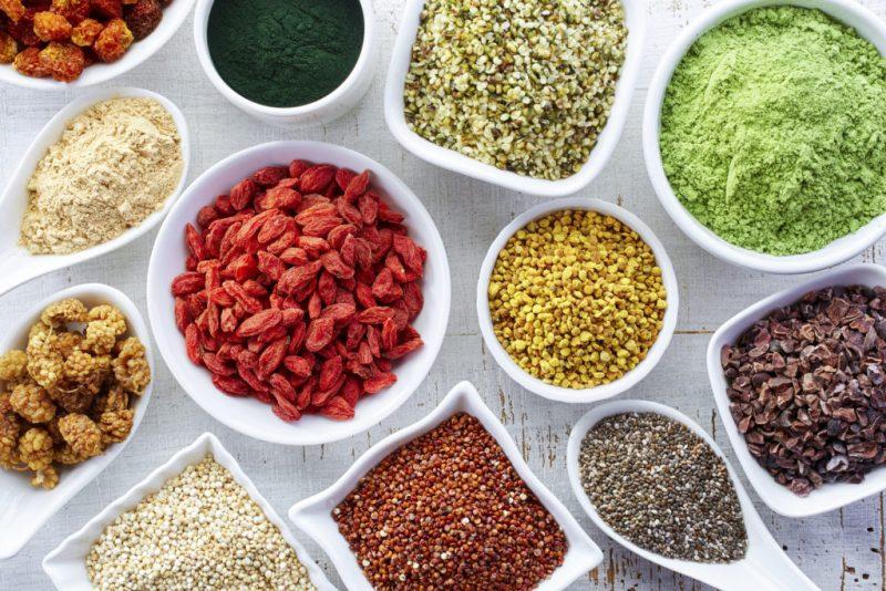 Tips para desintoxicarte y comenzar el año de forma saludable - 6-come-superfoods