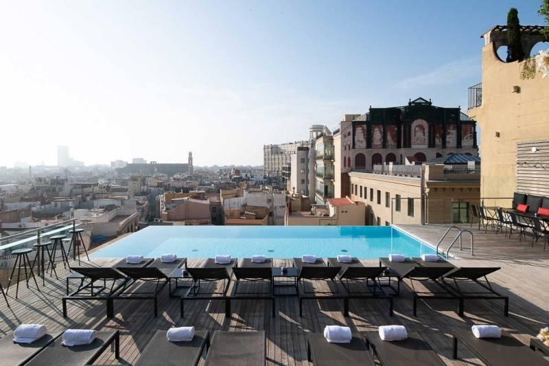 El Grand Hotel Central de Barcelona - hotel-grand-central-barcelona-alberca