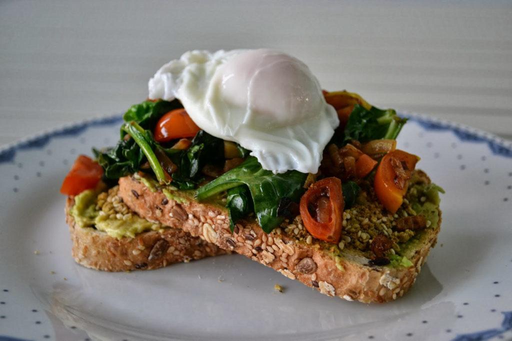 Recetas saludables, fáciles y deliciosas para desayunar - 1. Toast de Huevo.HOTBOOKjpg