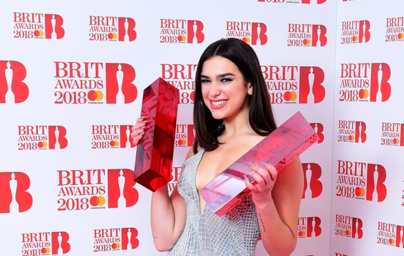 Datos interesantes sobre Dua Lipa - hotbook-datos-interesantes-sobre-dua-lipa_brit-awards