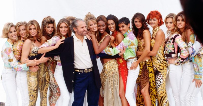 10 datos curiosos de Gianni Versace - hotbook_versace_celebridades