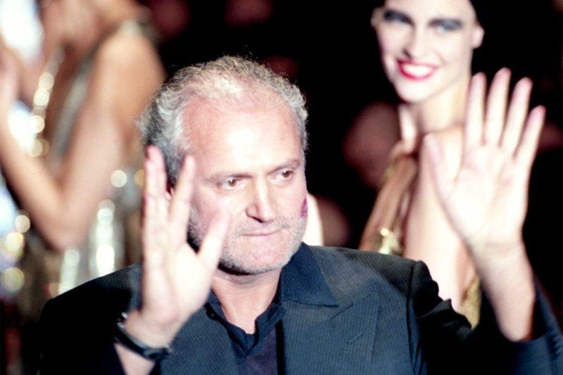 10 datos curiosos de Gianni Versace - hotbook_versace_ultimapasarela