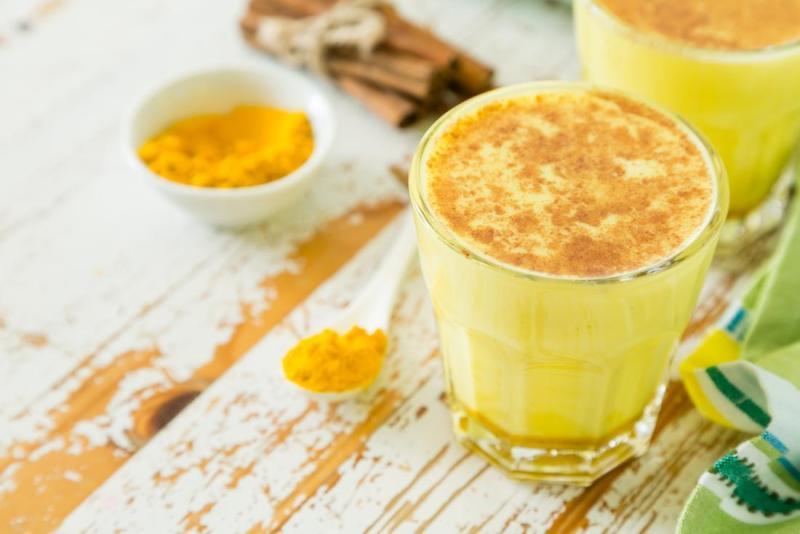 Recetas de té con cúrcuma - 4-leche-y-curcuma-hotbook