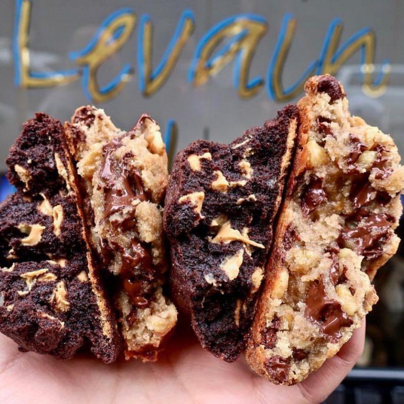 6 lugares para comer postres en Nueva York - 5-levain-bakery-hotbook
