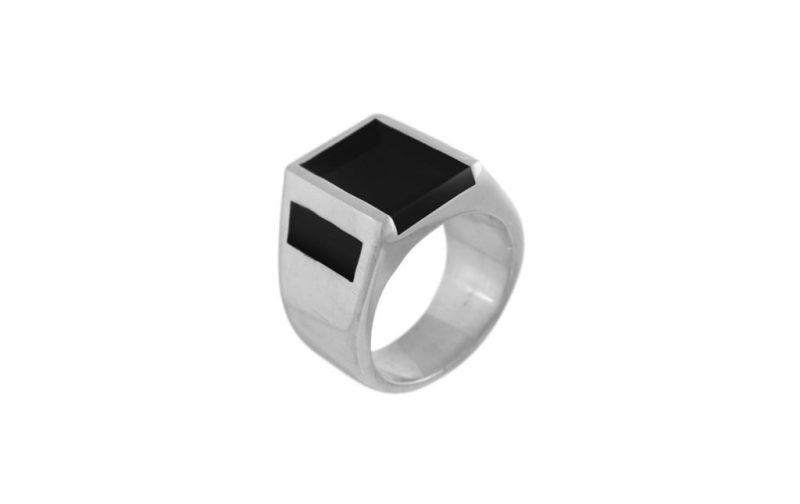 HOTstuff: piezas de temporada para él y para ella - anillo-alto-plateado-negro