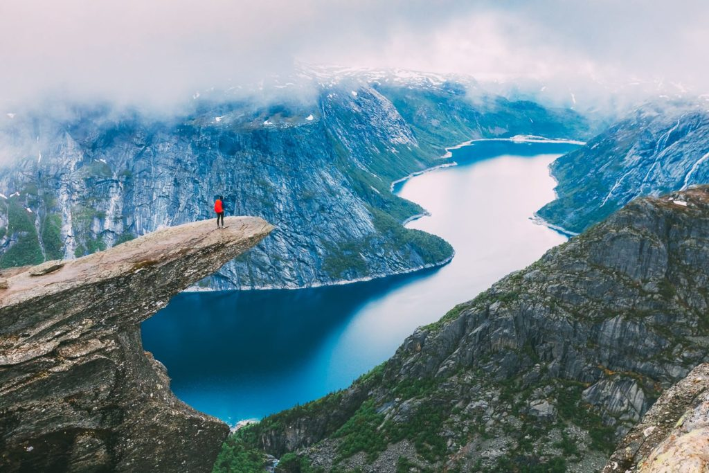 Los mejores lugares del mundo para hacer hiking - Hiking alrededor del mundo portada