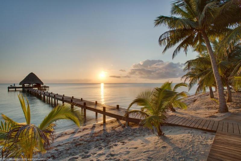 Los mejores destinos del mundo para Semana Santa - hotbook-los-mejores-destinos-del-mundo-para-esta-semana-santa-placencia