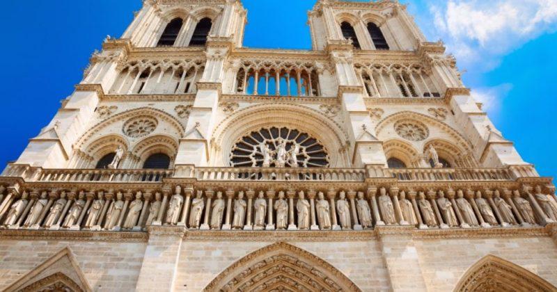 Datos históricos de la Catedral de Notre Dame - imagen-que-contiene-edificio-exterior-cielo-sup