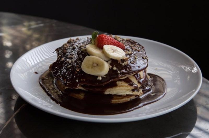 Los mejores lugares para comer hotcakes en la CDMX - pancakes_carolo