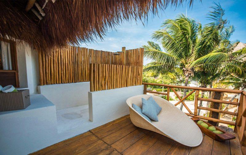 Mahekal Beach Resort, un paraíso en el Caribe mexicano - terraza-relajacion-vacaciones-playa-mahekal