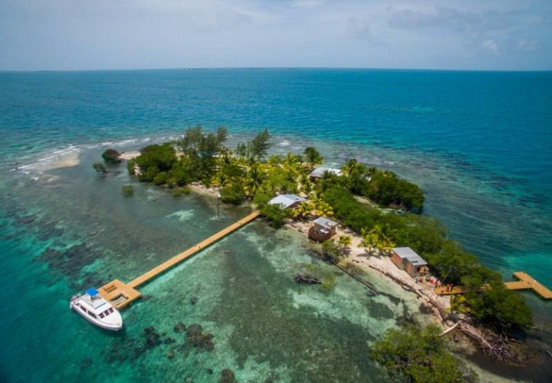 Hoteles ecológicos en el mundo que debes conocer - turtle-inn-en-la-isla-privada-coral-caye-belice