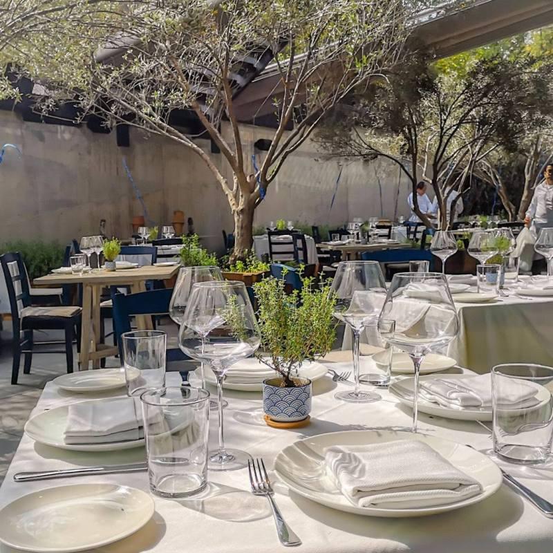 Restaurantes para festejar el 10 de mayo - 1-estiatorio-nostos