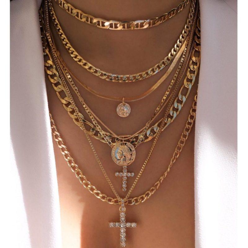 Los esenciales para esta temporada de festivales - hotbook-todo-lo-que-necesitas-en-esta-temporada-de-festivales-necklaces