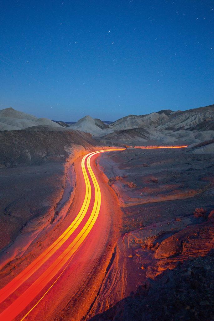 Tobias Hutzler: fotografía en movimiento - hotphoto-cielo-carretera-luz-camino