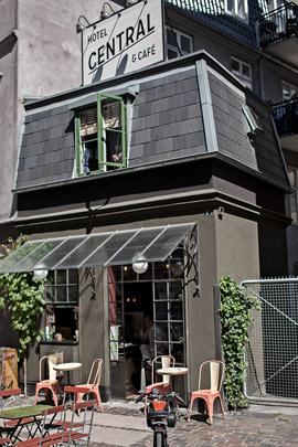 Los minihoteles más exclusivos del mundo - minihoteles_centralhotel_cafe