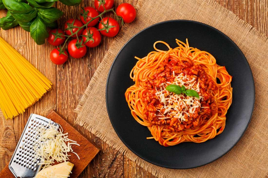 Recetas para el Día de las Madres - PORTADA Espaguetti a la boloñesa HOTBOOK