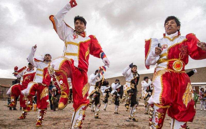 Carnaval: imágenes paganas - san-antonio-de-los-cobres-baile-fiesta-carnaval