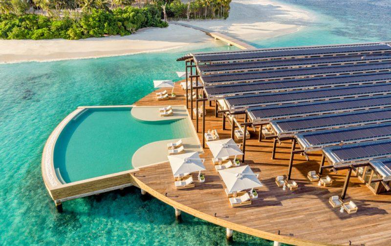 Kudadoo Maldives Private Island, un paraíso en medio del océano - the-retreat-alberca-mar-isla-privada-kudadoo-maldivas