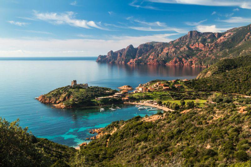 Destinos que tienes que visitar en el sur de Europa - hotbook_destinossureuropa_corcegafrancia