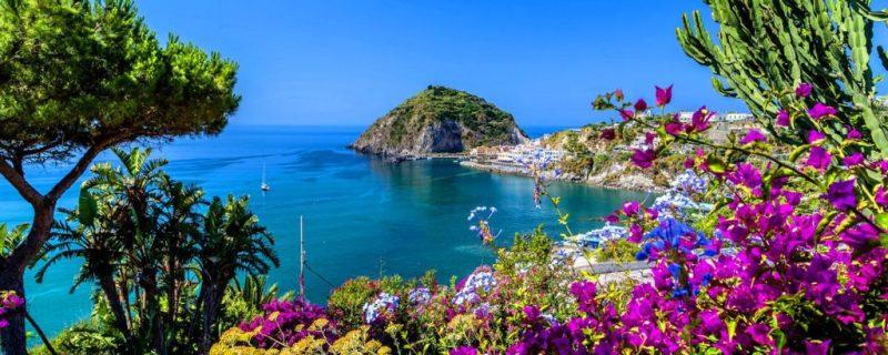 Destinos que tienes que visitar en el sur de Europa - hotbook_destinossureuropa_isquiaitalia