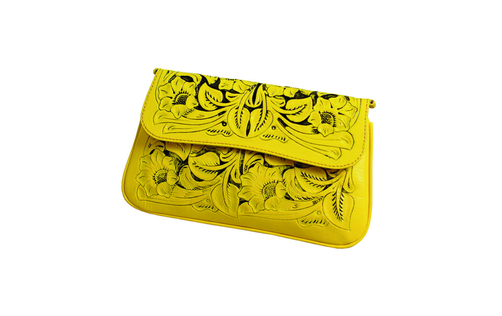Los must-have de esta temporada - Prison Art - Clutch Cincelado