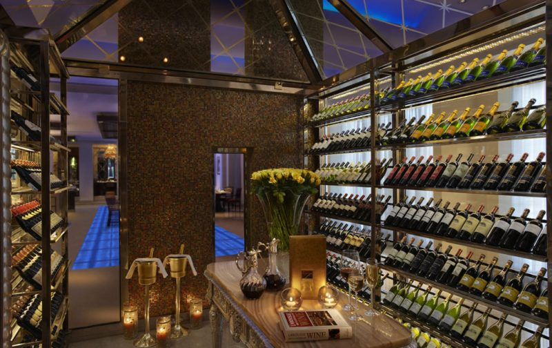 The Leela Palace - hotbook_hottravel_hotbooking_theleelapalace_wineroom