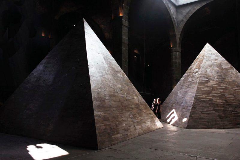 Dicotomías del poder, una instalación de Jachen Schleich y Derek Dellekamp - dicotomias-poder-3