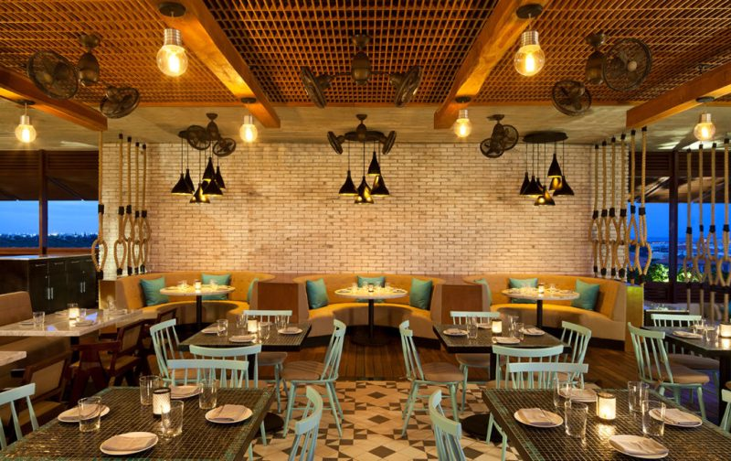 Catch: de Nueva York a la Riviera Maya - hotbook_catch_restaurante_interior_mesas_sillon_sillas_aqua