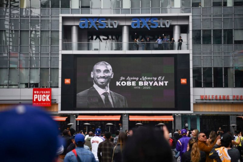 Tributos a Kobe Bryant, la leyenda de la NBA - kobe-bryant-staples-center