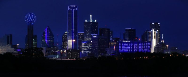 Actos de solidaridad en el mundo: iluminan de azul y rojo los corazones de estas ciudades - actos-de-solidaridad-alrededor-del-mundo_5