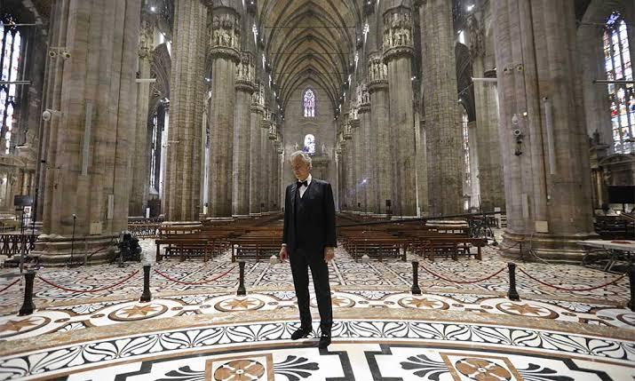 En vivo, Andrea Bocelli da concierto de Pascua desde el Duomo de Milán. ¡Escúchalo aquí! - image1