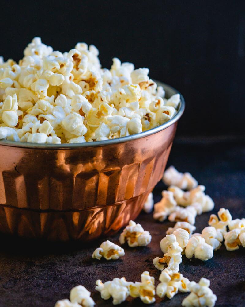 It's popcorn time! Te decimos cómo hacer tu propio cine en casa - popcorn-dia-del-nincc83o-netflix-estrenos