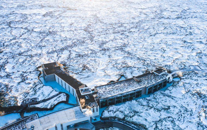 Blue Lagoon Islandia, el destino ideal para tu luna de miel - hotbook_hothoneymoon_bluelagoon-retreat-invierno-spa-islandia