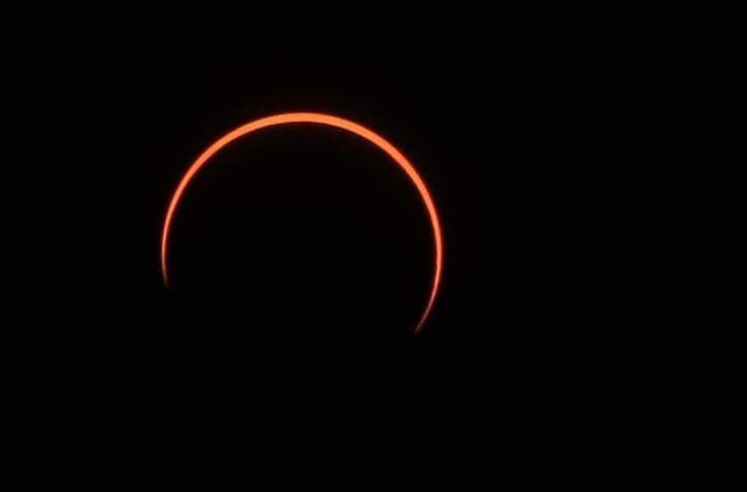 Extraordinarias fotografías que nos dejó el eclipse solar el 21 de junio de 2020 - Portada Extraordinarias fotografías que nos dejó el eclipse solar este 21 de junio 2020 eclipse solar 21 junio 2020 google zoom Instagram tiktok como hacer viajar verano