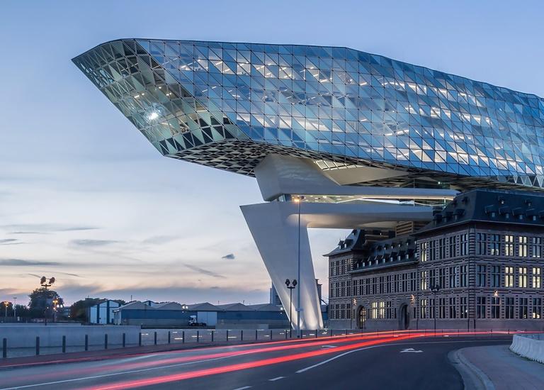 Zaha Hadid: un recorrido virtual por sus edificios más icónicos - zaha-hadid-recorrido-virtual-de-sus-edificios-mas-iconicos-4