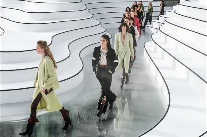 Los top 5 desfiles de moda del 2020 - captura-de-pantalla-2020-07-25-a-las-12-19-17