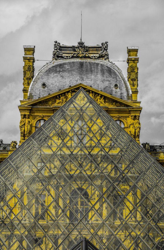El icónico Museo del Louvre te da la bienvenida nuevamente en julio - el-iconico-museo-louvre-te-da-la-bienvenida-a-visitarlo-nuevamente-en-julio-google-online-zoom-tiktok-instagram-cuarentena-google-coronavirus-verano-viajes-a-donde-ir-reapertura-lugares-abiertos-3