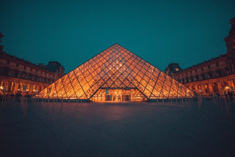 El icónico Museo del Louvre te da la bienvenida nuevamente en julio - el-iconico-museo-louvre-te-da-la-bienvenida-a-visitarlo-nuevamente-en-julio-google-online-zoom-tiktok-instagram-cuarentena-google-coronavirus-verano-viajes-a-donde-ir-reapertura-lugares-abiertos