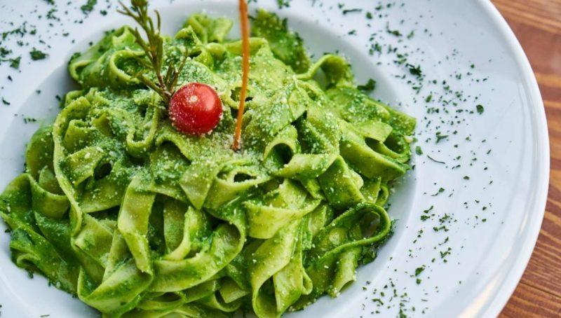 ¡Noodles, spaghetti y más! Conoce distintos platillos del mundo elaborados con estos ingredientes - lets-talk-pasta-conoce-los-distintos-platillos-noodle-based-alrededor-del-mundo-google-restaurantes-comer-viajes-nueva-normalidad-google-3