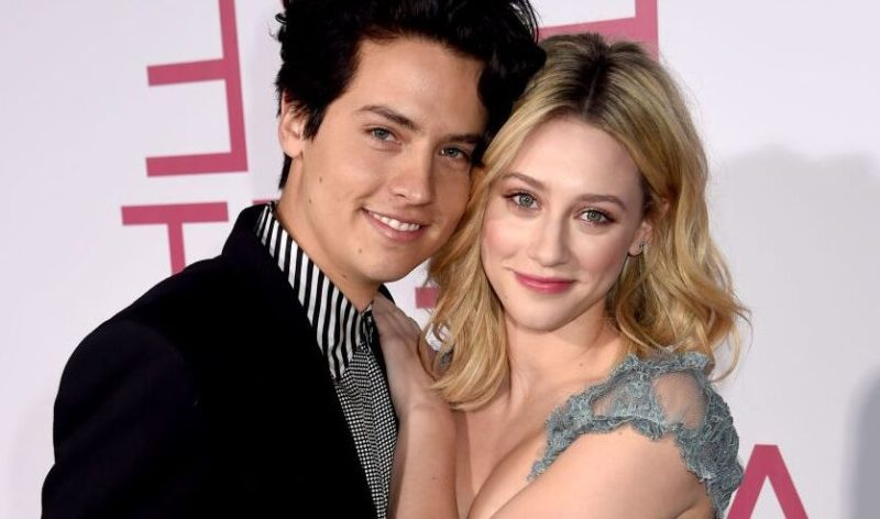 Conoce todo acerca de Cole Sprouse, el gemelo del momento - cole-sprouse-google-conoce-todo-acerca-de-cole-sprouse-el-gemelo-del-momento-google-online-google-hollywood-celebridad-cole-sprouse-lili-reinheart-dylan-sprouse-barbara-palvin-google-3