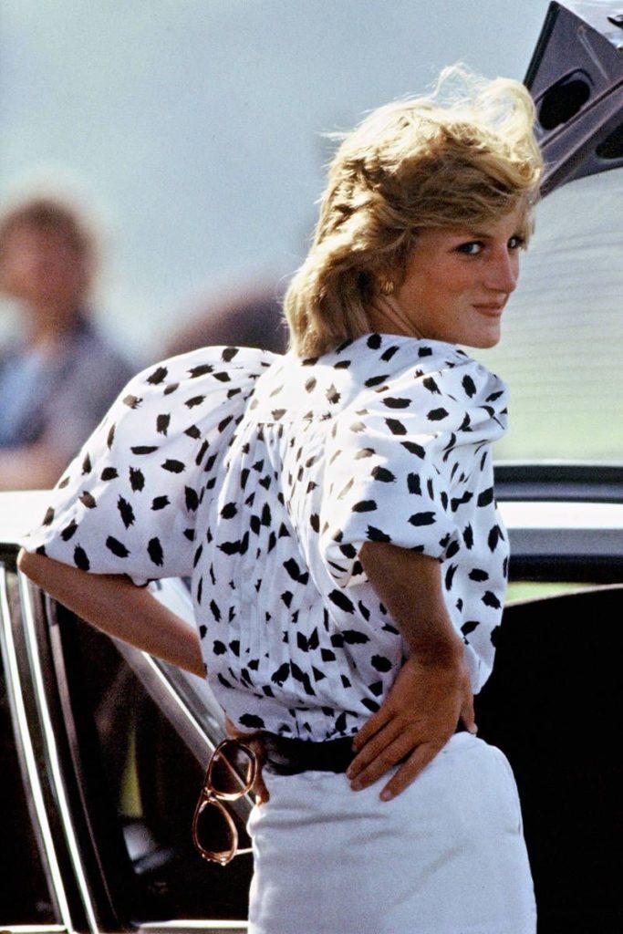 Los looks más emblemáticos de Lady Di - foto-4-aniversario-de-la-muerte-de-lady-di-los-looks-mas-emblematicos-que-lucio-la-princesa-de-gales