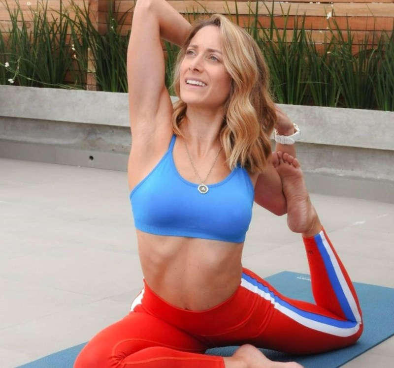 Alice Non Stop, el workout revolucionario de Alicia Ángeles - alice-non-stop-el-workout-revolucionario-de-alicia-angeles-ejericico-gym-google-ejercicio-exercise-workout-gym-instagram-tiktok-healthy-lifestyle-yoga-google-covid-19-zoom-4