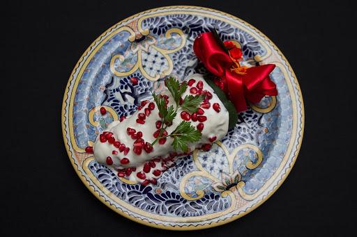 Los mejores chiles en nogada para pedir a casa en la CDMX - azul-historico-los-mejores-chiles-en-nogada-para-pedir-a-casa