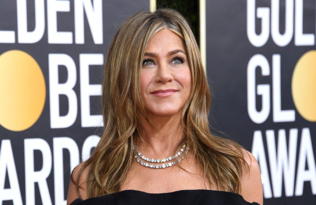 El secreto detrás de la apariencia de Jennifer Aniston - top-secret-el-secreto-detras-de-la-apariencia-de-jennifer-aniston-la-prestigiosa-actriz-americana-gwewneth-paltrow-gigi-hadid-kim-kardashian-orlando-bloom-google-instagram-tiktok-gold-sculpting-2