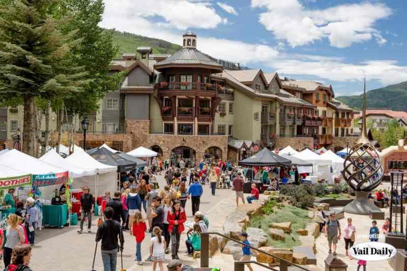 Descubre lo que Vail, Colorado tiene para ofrecer esta temporada - vail-framer-market-art-show-like-nothing-on-earth-descubre-lo-que-es-vail-colorado-en-verano